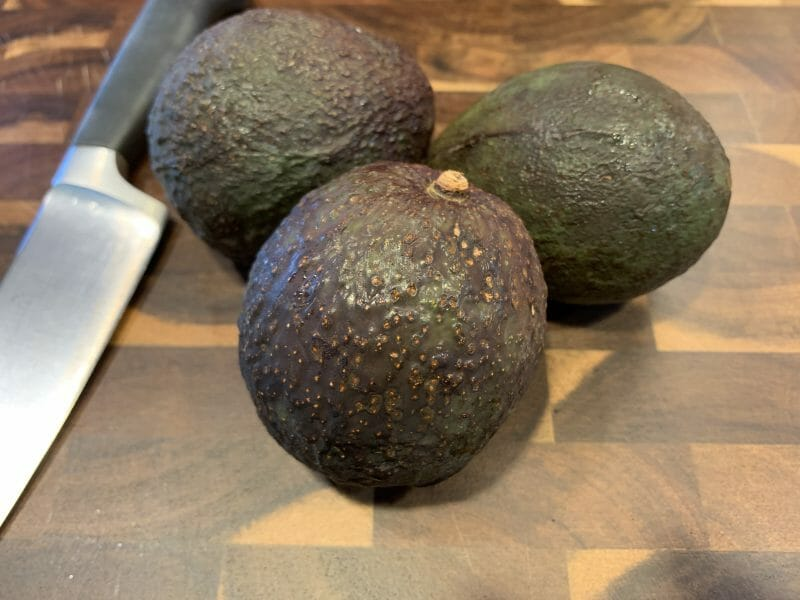 3 ripe avocados