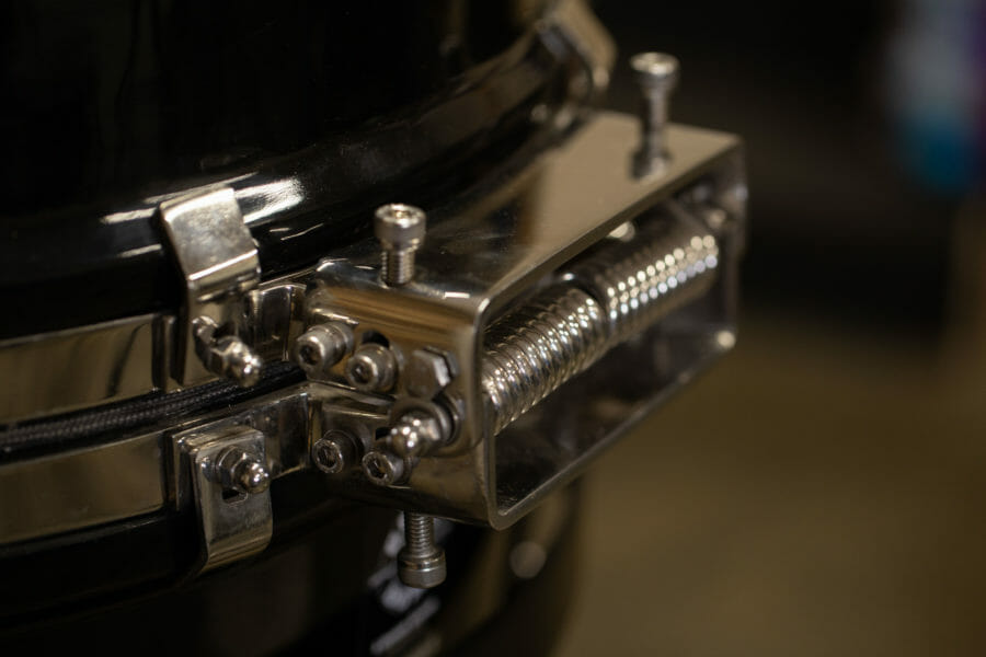 grill dome hinge