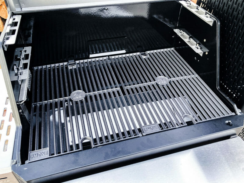 bottom level of grill grates
