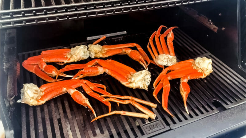 snow crab grilling on the Gravity 800