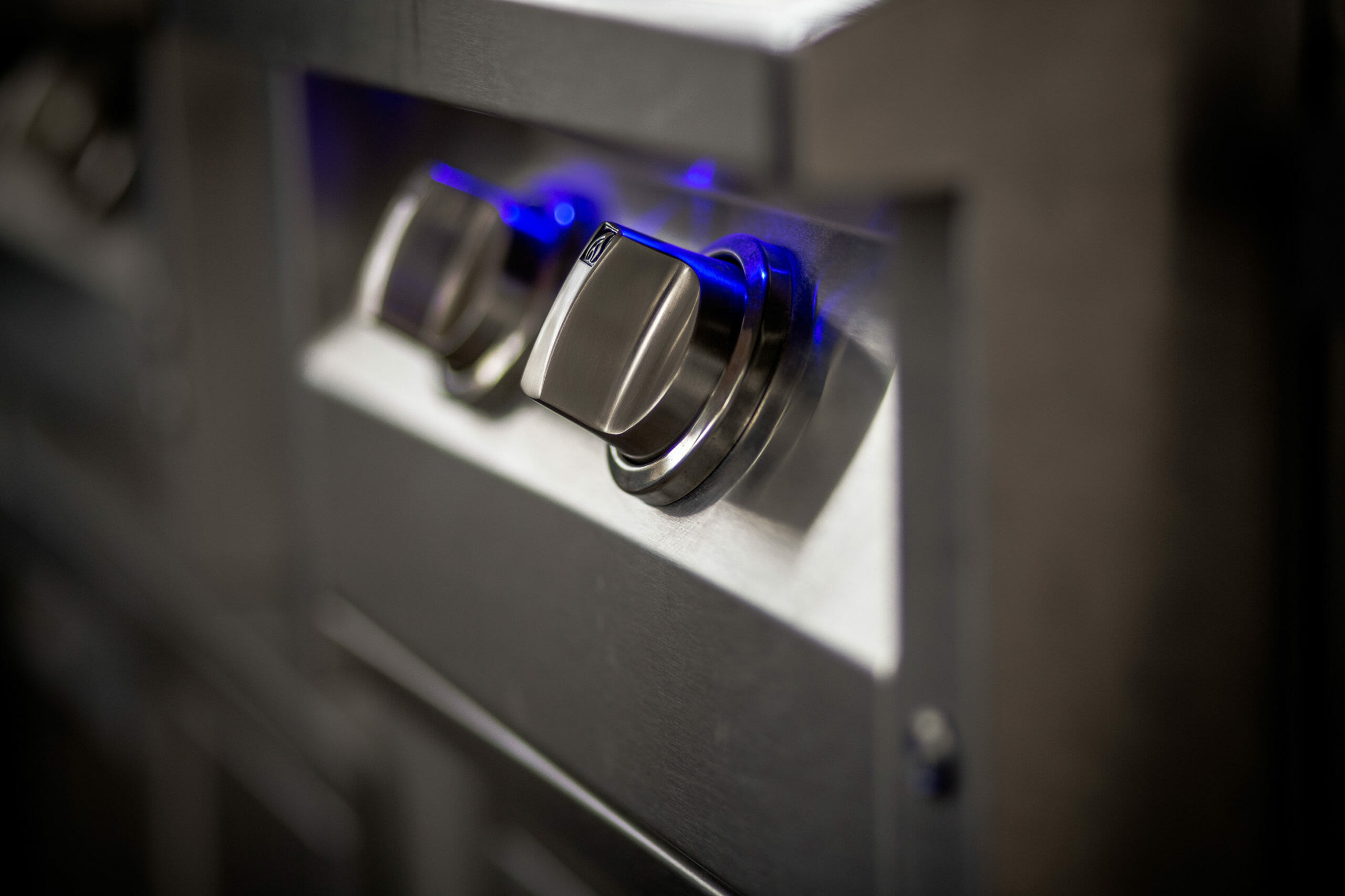American Renaissance Grill Pro Burner LED lit knobs