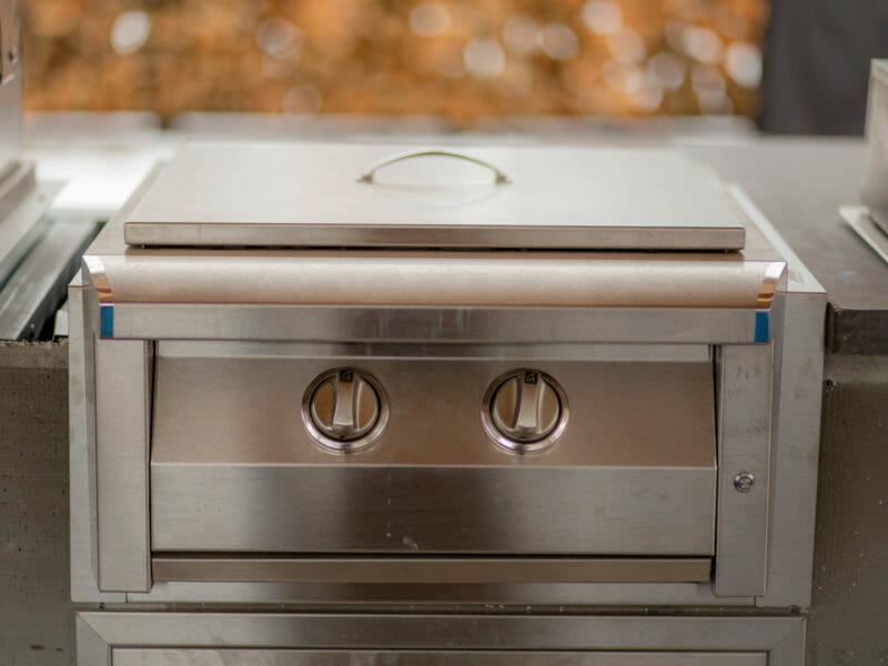 American Renaissance Grill Pro Burner with stainless steel lid