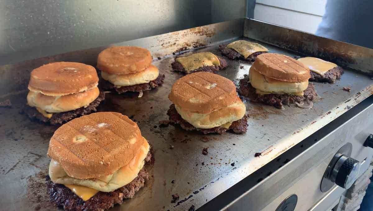smash burgers on the Le Griddle
